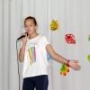 Гостья Осеннего бала - учащаяся Бакчарской школы искусств Саша Махнева, песней поздравила всех с праздником
